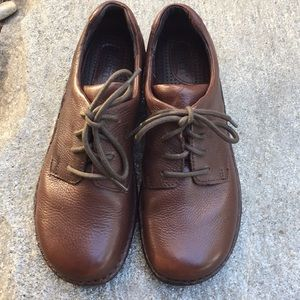Born size 8 leather shoes